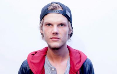 Avicii red cap, black baseball hat