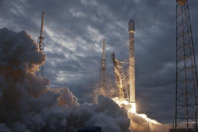 SpaceX launch THAICOM 6 satellite, Falcon 9 booster
